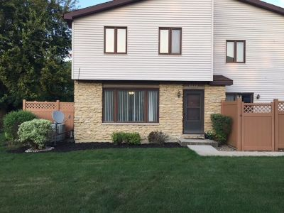 New Lenox Condo/Townhouse For Sale: 223 East Woodlawn Road #223
