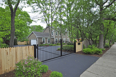Lake Forest Single Family Home For Sale: 202 East Old Elm Road