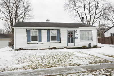 Buffalo Grove Single Family Home For Sale: 169 Forest Place