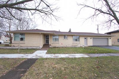 Lansing Single Family Home For Sale: 2658 178th Street