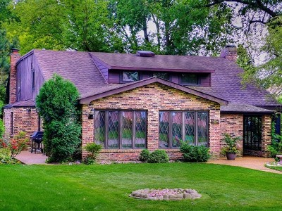 Morton Grove Single Family Home For Sale: 5 Smithwood Drive