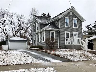 Barrington  Single Family Home For Sale: 126 Raymond Avenue