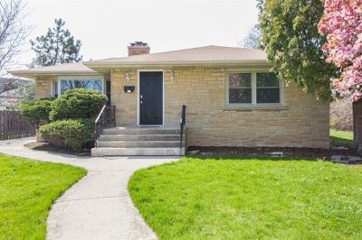 Joliet, Shorewood Rental For Rent: 823 Raynor Avenue