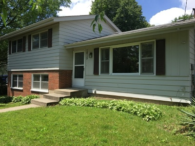 McHenry Single Family Home Re-Activated: 1015 Hilltop Boulevard