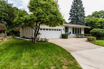 Niles Single Family Home For Sale: 6939 North Lexington Lane