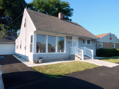 Wheaton Single Family Home For Sale: 1517 East Roosevelt Road