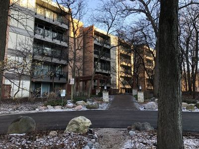 Lisle Condo/Townhouse Price Change: 5900 Oakwood Drive #3G