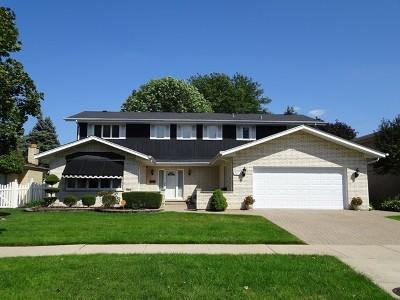 Oak Lawn Single Family Home For Sale: 9619 South Kildare Avenue