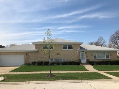 Morton Grove Single Family Home For Sale: 8818 Ottawa Avenue