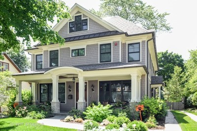 Libertyville Single Family Home For Sale: 521 Lange Court