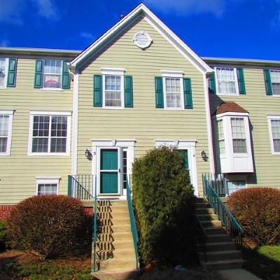Aurora Condo/Townhouse For Sale: 2443 Courtyard Circle #5