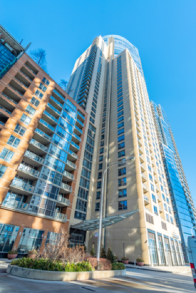 Condo/Townhouse For Sale: 420 East Waterside Drive #414