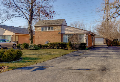 Lincolnwood Single Family Home Contingent: 6718 North Kenneth Avenue