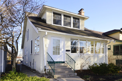 Evanston Single Family Home For Sale: 2233 Pioneer Avenue