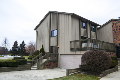 Willowbrook IL Condo/Townhouse Contingent: $407,700