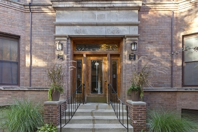 Condo/Townhouse For Sale: 744 West California Terrace #1
