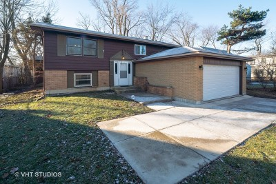 Wheaton Single Family Home For Sale: 26w461 Geneva Road