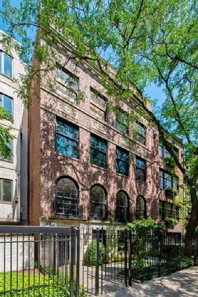 Condo/Townhouse For Sale: 24 East Scott Street #1