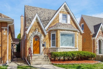 Chicago Single Family Home For Sale: 6005 North Marmora Avenue