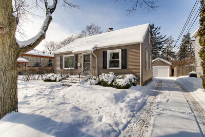 Aurora Single Family Home Contingent: 17 South Gladstone Avenue