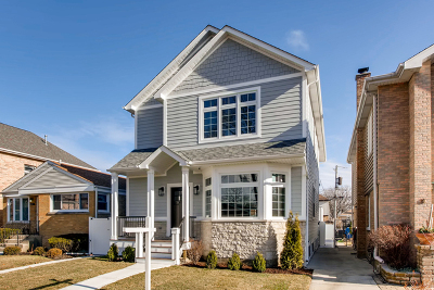 Chicago Single Family Home For Sale: 6325 North Tripp Avenue