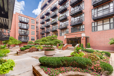 Condo/Townhouse For Sale: 333 West Hubbard Street #801