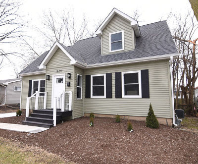 Batavia  Single Family Home For Sale: 826 Morton Street