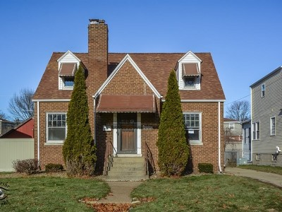 Lansing Single Family Home For Sale: 3268 North Schultz Drive