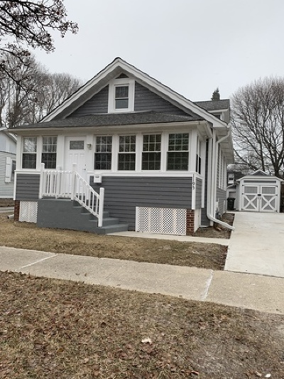 Lake Forest Single Family Home For Sale: 1195 McKinley Road