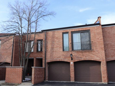 Oak Brook Condo/Townhouse For Sale: 19w270 Governors Trail