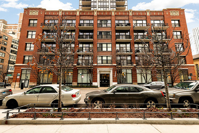 Condo/Townhouse For Sale: 210 South Desplaines Street #807