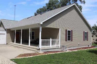 Wapella Single Family Home For Sale