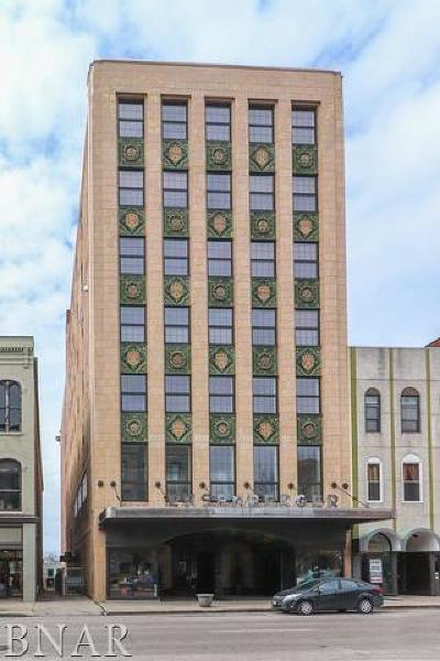 Bloomington Condo/Townhouse For Sale: 212 North Center #305