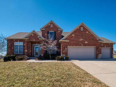 Bloomington Single Family Home For Sale: 2907 Lone Oak