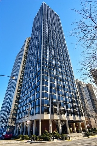 Condo/Townhouse New: 1555 North Astor Street #26W