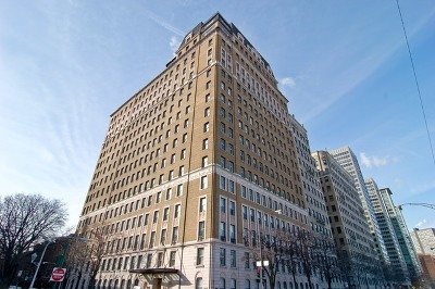 Condo/Townhouse New: 3500 North Lake Shore Drive #17PH