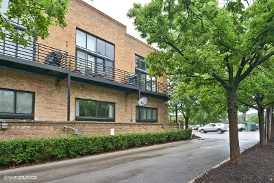 Condo/Townhouse New: 2620 North Clybourn Avenue #205