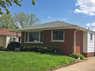 Berkeley IL Single Family Home For Sale: $212,900