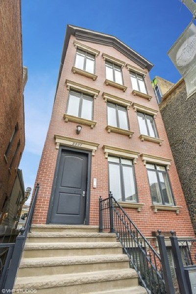 Cook County Condo/Townhouse New: 2237 North Clybourn Avenue #2