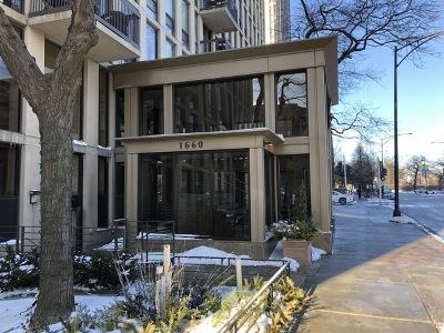Condo/Townhouse For Sale: 1660 North La Salle Drive #901