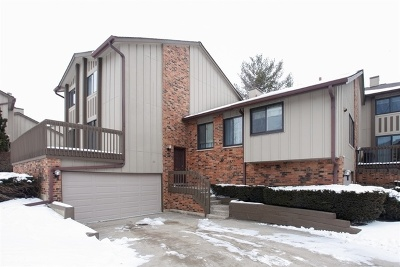 Willowbrook Condo/Townhouse For Sale: 22 Clubside Drive