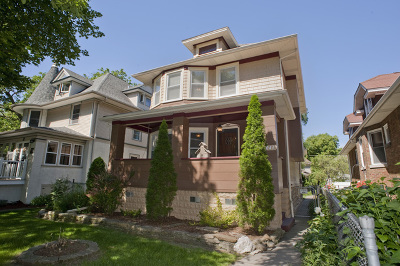 Oak Park Single Family Home For Sale: 1043 Clarence Avenue