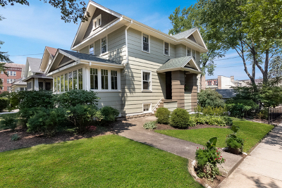 Glen Ellyn Single Family Home For Sale: 556 Hillside Avenue