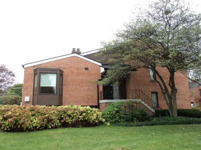 Oak Brook Condo/Townhouse For Sale: 19w286 Governors Trail