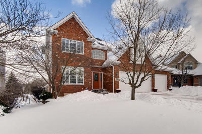 Westmont Single Family Home For Sale: 605 Nelson Lane