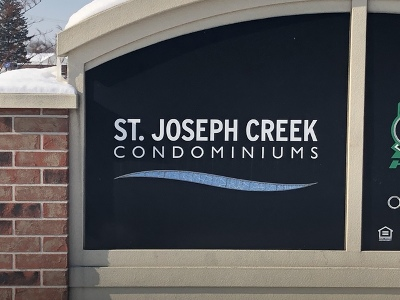 Lisle Condo/Townhouse Contingent: 4721 Saint Joseph Creek Road #1G