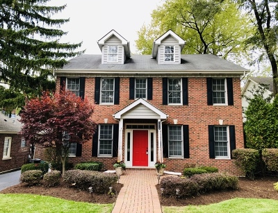 Downers Grove Single Family Home For Sale: 5618 Hillcrest Road