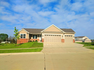 Single Family Home For Sale: 2707 Handel Drive