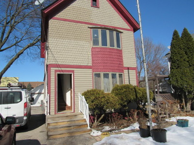 Elgin Multi Family Home For Sale: 566 Walnut Avenue