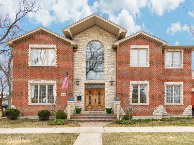 Skokie Single Family Home For Sale: 8656 Keystone Avenue